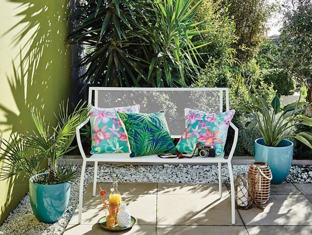 How to design an outdoor living room 2