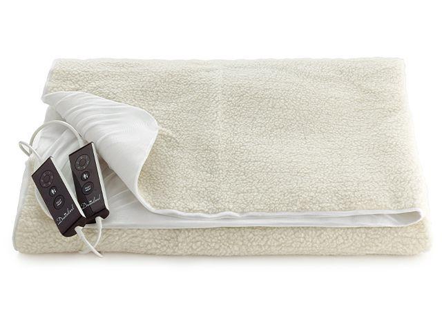 lakeland electric blanket - buyers guide to electric blankets - bedroom - goodhomesmagazine.com