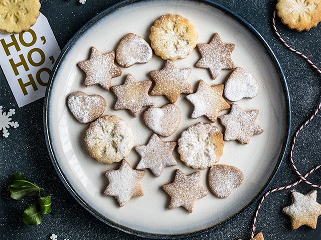 say yes to contributions - How to host a stress-free Christmas dinner - goodhomesmagazine.com