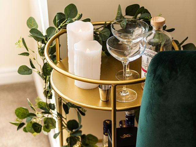 sue ryder cocktail trolley - dining room christmas - goodhomesmagazine.com