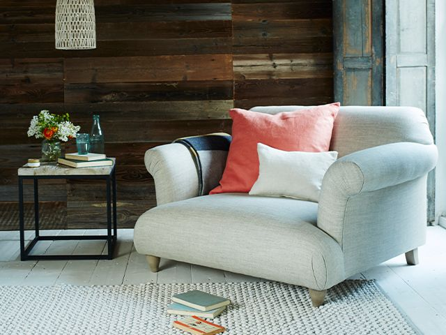 classic country style loveseat - 6 stylish and comfy loveseats - bedroom - goodhomesmagazine.com