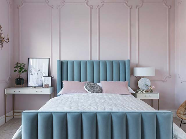 blue velvet vintage style bed - what is the most popular interior style according to Google? - news - goodhomesmagazine.com